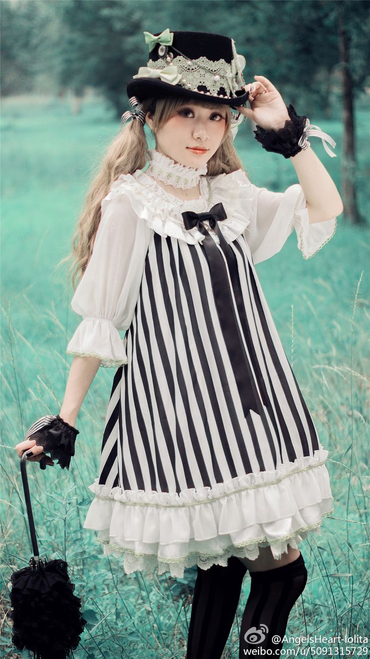 Clown girl of the Circus: Also in:  White x Black x White Sleeves OP and Black x White x Black Sleeves OP From Angels Heart on Taobao and W...
