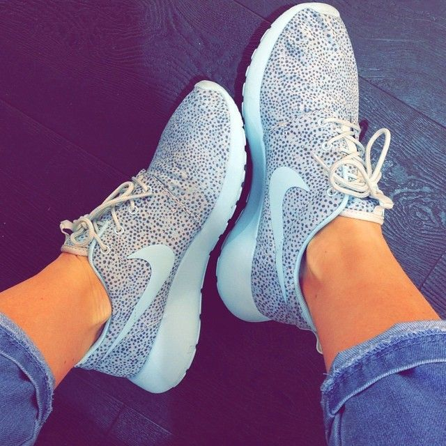 Wow!! I Found a very great website, 2016 fashion style sports shoes,only $21,top…