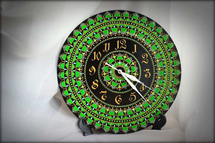 Часы на виниле - Зеленая Мандала Диаметр - 30см.