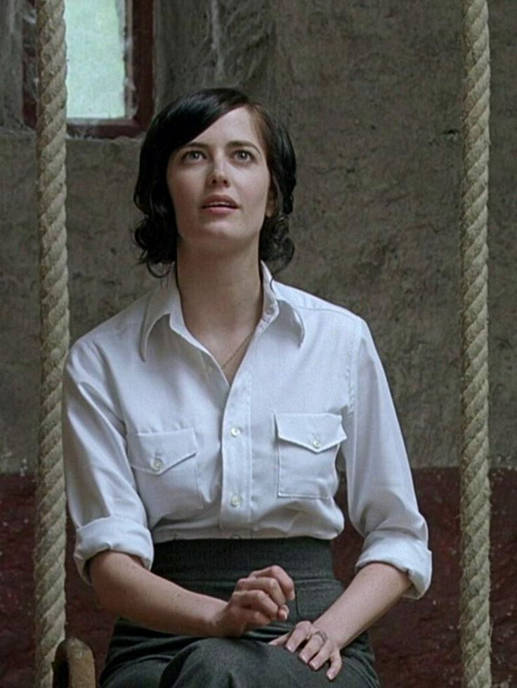 1930s schoolteacher: Eva Green in 'Cracks'