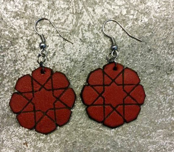 Genuine leather geometric star shape earrings van NHLdesign op Etsy