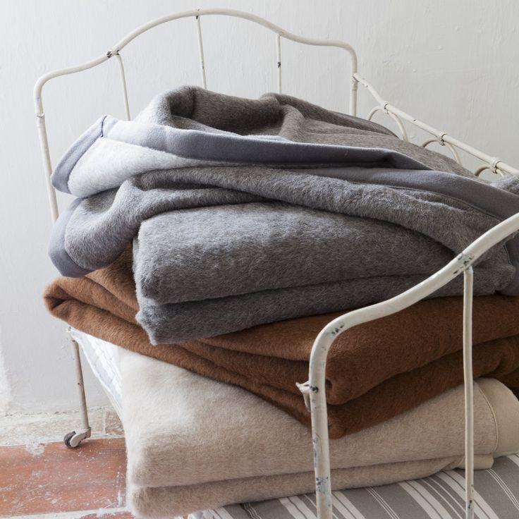 les 25 meilleures id es de la cat gorie les poils du visage fins sur pinterest filetage qu. Black Bedroom Furniture Sets. Home Design Ideas