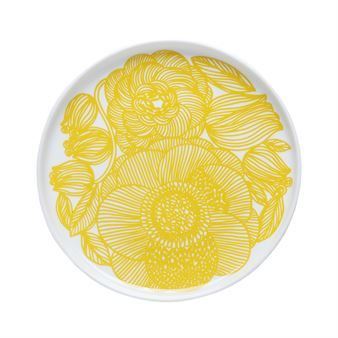 The lovely Kurjenpolvi plate from Marimekko is a classic plate with a floral explosion! In Finnish,
