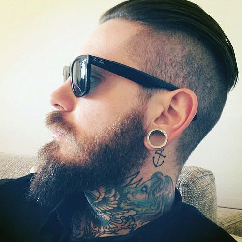 beard and neck tattoo, drive me off the wall so effen sexy!