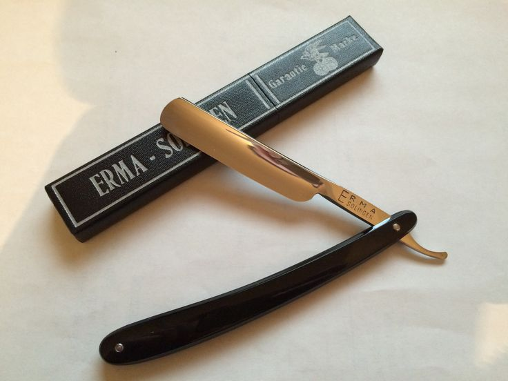Marvelous Ernst Mandewirth was one of the great razor makers that was established in Solingen in the early Mandewirth