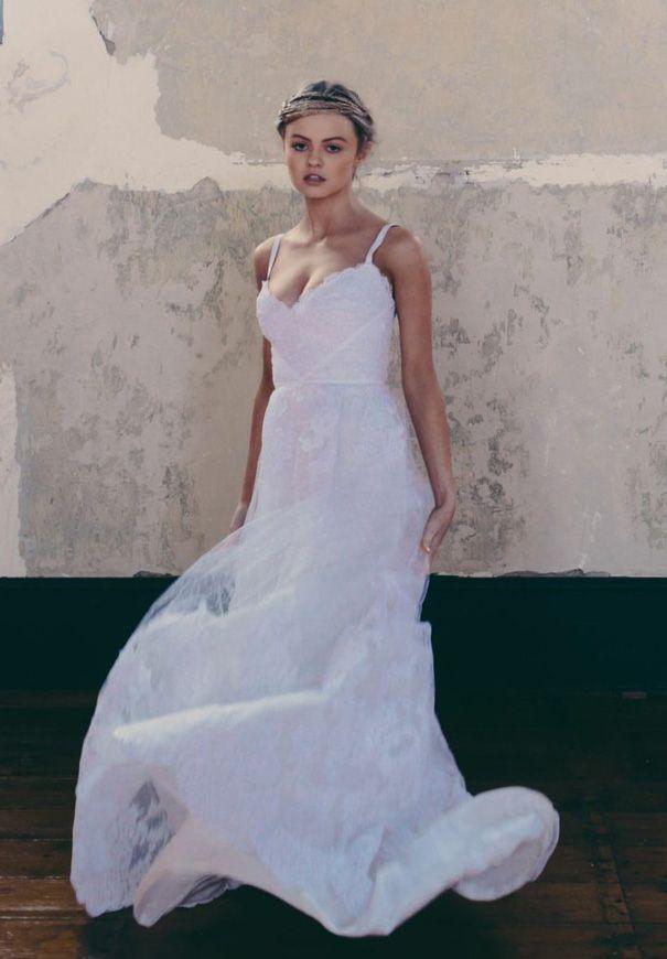 ONE DAY BRIDAL 'CURIOUS HEARTS' 'Valerie' enquiries@loveoneday.com.au www.onedaybridal.com.au