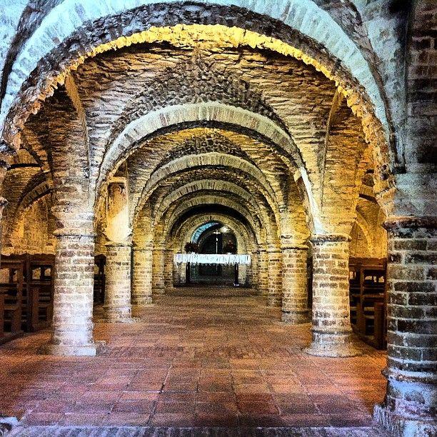 i Santa Maria della Rocca church's crypt  #terredelpiceno #marchetourism #destinazionemarche #piceno #picenopass #marche