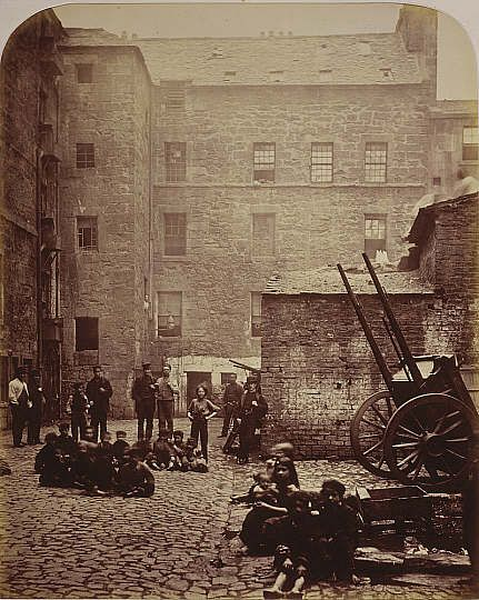 1868 Close, No. 46 Saltmarket, from Old Closes and Streets of Glasgow, Thomas Annan