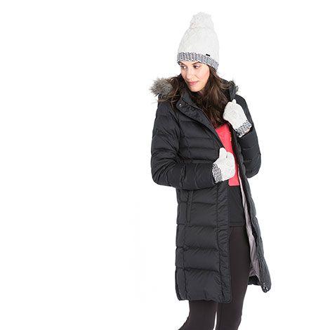 Our Katie coat has become a Lolë classic for its sleek quilting, feminine fit and wonderful warmth. / Notre manteau Katie, qui propose un matelassage sophistiqué, une coupe féminine et une chaleur irrésistible, s'est taillé une place parmi les classiques de Lolë.