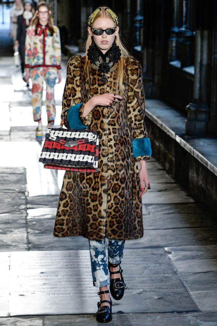 Catwalk photos and all the looks from Gucci - Pre Spring/Summer 2017 Ready-To-Wear London Fashion Week