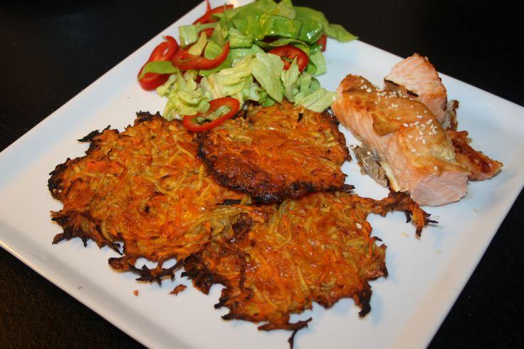Ingredienser: (2 personer) 2 store gulerødder 1-2 æg (afhængig af størrelse) 5 jordskokker 1/2 pose revet ost (paleo 2.0) 3 tsk. salt Evt. ingefær revet Lidt peber Fremgangsmåde: Tænd ovnen på omkring 180 grader. Skræl gulerødder og jordskokker. Riv dem i en foodprocessor eller med et rivejern. Bland æg, gulerødderne, jordskokkerne og osten, ingefær, med …
