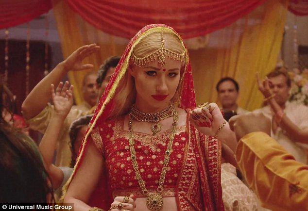 Iggy Azalea looking amazing with an Eastern influence in Indian-themed music video for #Bounce!  Read more: http://www.dailymail.co.uk/tvshowbiz/article-2321012/Iggy-Azalea-showcases-Eastern-influence-Indian-themed-music-video-Bounce.html#ixzz2Shf7D4C3  Follow us: @MailOnline on Twitter | DailyMail on Facebook