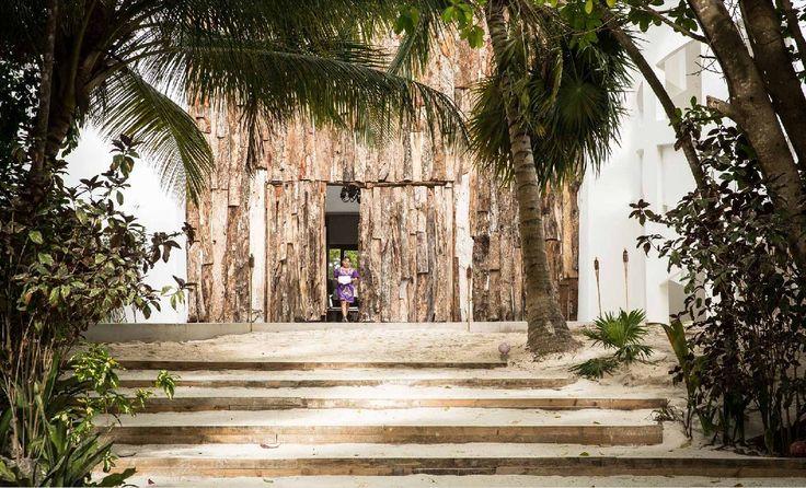 Casa de Pablo Escobar vira hotel cheio de obras de arte; conheça os detalhes http://www.gazetadopovo.com.br/haus/arquitetura/casa-de-pablo-escobar-vira-hotel-cheio-de-obras-de-arte-conheca-os-detalhes/?utm_campaign=crowdfire&utm_content=crowdfire&utm_medium=social&utm_source=pinterest