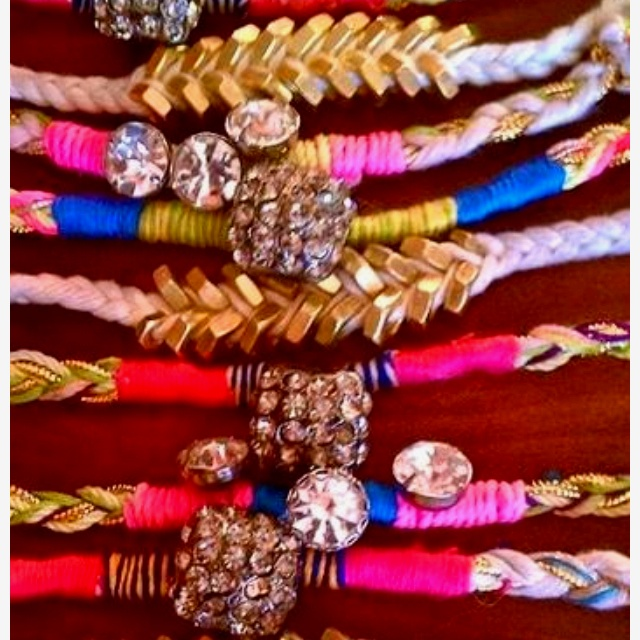 Assorted bracelets- just the pic, no tutorials :(  @Amanda Nixon-Sickels, we should do these for a craft!: Arm Candy, Style, Diy Crafts, Diy Jewelry, Diy Bracelets, Diy Project, Things, Friendship Bracelets