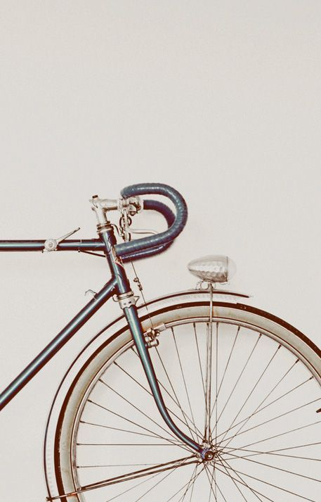 Bicycles are a trend. There are so many great designs for bikes that you can storage yours at the living room and everybody will believe it is part of the decor. #ride #bikes #bicycle