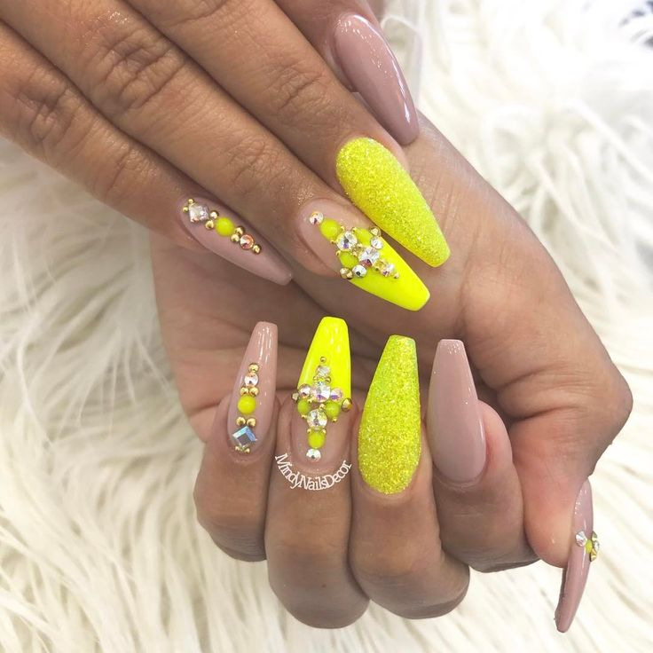 Best 25+ Neon nails ideas on Pinterest | One color nail ...