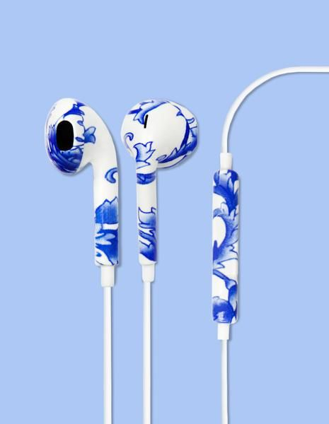 The Baroque Printed earbud headphones is made for those who are inspired by the…
