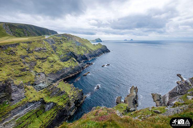Irisches Bier, sattes Grün, glückliche Kühe und entspannte Menschen – dieses Bild haben wohl viele von der grünen Insel im Atlantik. Dass es noch deutlich facettenreicher und überraschender daherko…