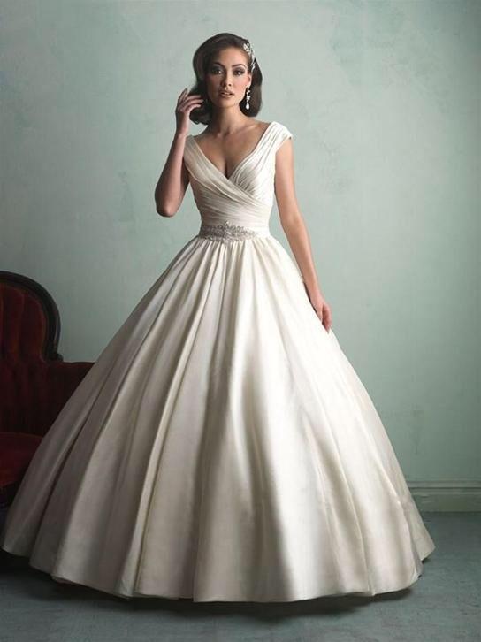 Elegante prinsessen trouwjurk van satijn mooie bruidsjurk