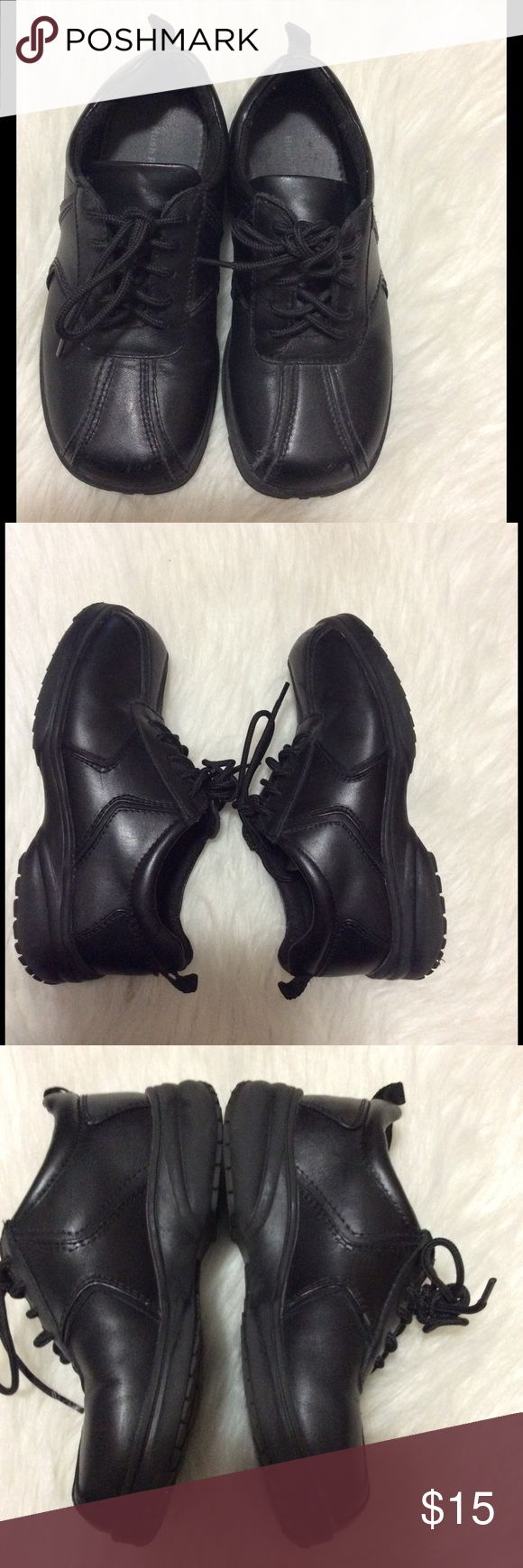 Boys dress shoes Preowned condition with minor wear. Black dress shoes from Hush puppies Hush Puppies Shoes Dress Shoes