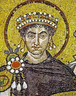 Mosaico bizantino con la imagen de Justiniano. Impulsor del Imperio