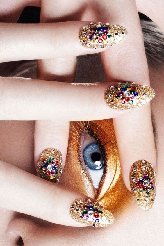 Find out what nail art describes you, that will look great!