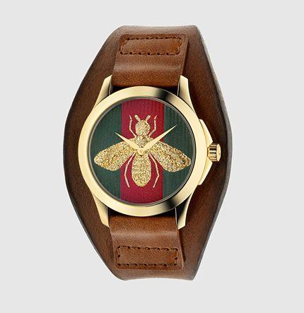ハチのモチーフがかっこいい。Gucci の革ベルトの腕時計 ブランド