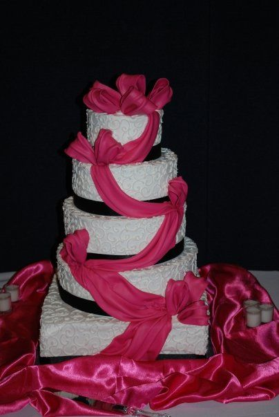 pink black and white wedding cakes with flowers fuchsia wedding cakes wedding cake photos 187 wedding 18568