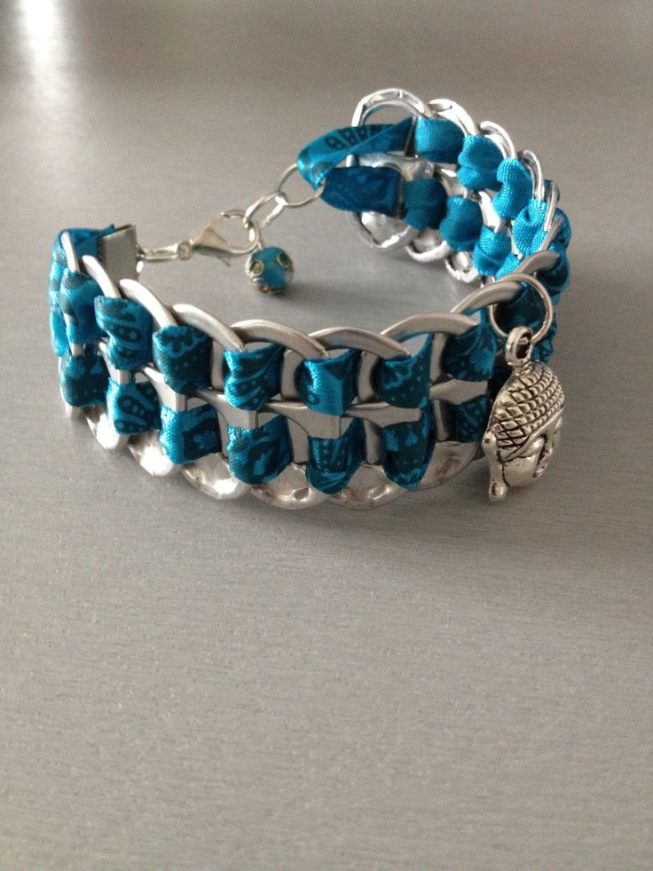 """Magnifique bracelet capsules de canettes avec ruban bleu """"inspiration indienne"""" avec breloque bouddha et jolie perle assortie : Bracelet par malib-so"""