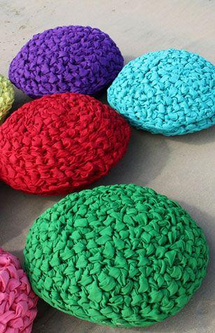 Cushions, by Mescla