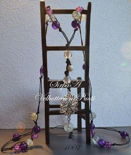 Velhottaren Puoti: Hand made glass bead necklace with pendant. Hand ...