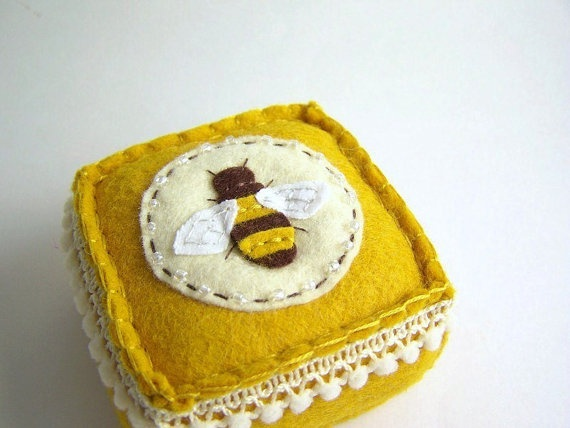 Love this bee pin cushion from SeaPinks!!
