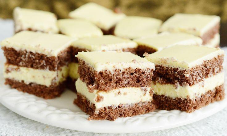 Reteta culinara Desert prajitura cu mascarpone si ciocolata din categoria Prajituri. Cum sa faci Desert prajitura cu mascarpone si ciocolata