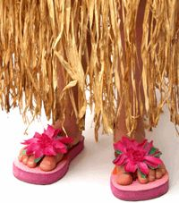 Hawaiian party ideas for family reunion: invitations, decorations, games, activities, costumes, party snacks, cake, favors