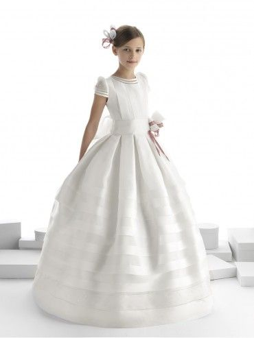 Bellísima colección de vestidos de comunión 2014 de @Rosa_Clara