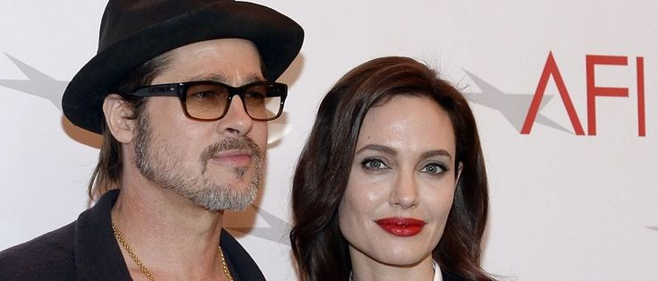 """O casal Brad Pitt e Angelina Jolie pode estar cada vez mais perto de se reconciliar. A informação é da revista norte-americana """"Life & Style"""", que afirmou que os atores têm se encontrado """"várias vezes nas últimas semanas e conversam por telefone quase todos os..."""