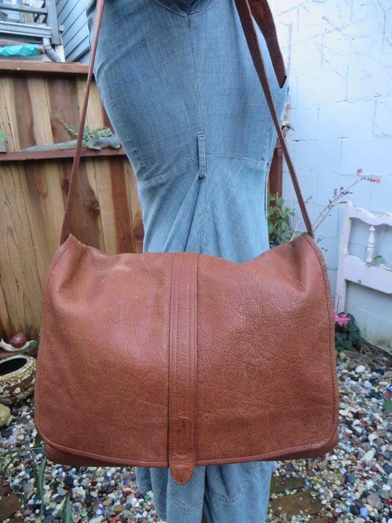 1990s Kenneth Cole Leather Messenger Bag Purse Tote Handag Crossbody  Satchel