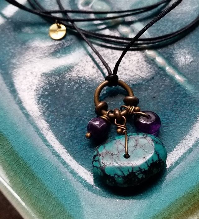 Yummy Amethyst & Turquoise journey  together in this sweet but earthy 'Walking Mystic' unisex pendant ♡ Traveling to sunny qld today. Happy Friday everybody!! #amethyst #turquoise #crystals #mensjewelery #unisexjewelery #womensjewelery #handmade #australianhandmade #etsy #friyay #itstheweekend #artinthemorning #doesthismakemeamorningpersonnow? ☺
