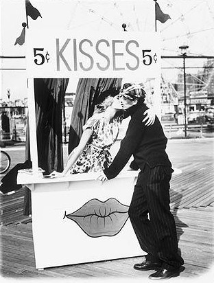 I <3 vintage kissing pictures!  Sigh.. I sound like such a geek saying that lol(: