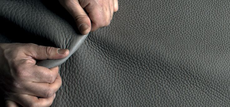 Leather, fabrics, marbles and woods are expressions of our research, creativity and passion for materials. Natuzzi's range of upholsteries and finishes allows you to customize any sofa, bed or piece of furniture according to your taste and needs. @Natuzzi #ItalianLeather #DesignerSofas