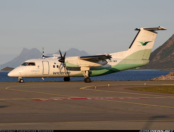 De Havilland Canada DHC-8-103 Dash 8 aircraft picture