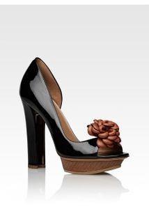 Продам золотые туфли босоножки балетки