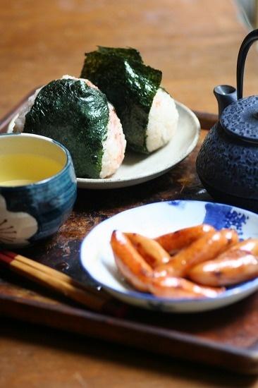 PERFECT COMBO! /Japanese rice balls, (Onigiri Omusubi おにぎり おむすび) + sausage
