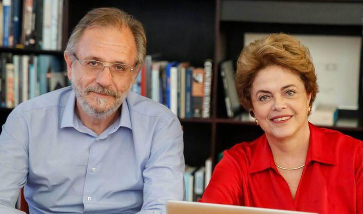 """Em conversa com internautas pelo Facebook, ao lado do ministro do Trabalho de seu governo, Miguel Rossetto, a presidente afastada Dilma Rousseff alerta para a """"reforma trabalhista"""" anunciada pelo governo de Michel Temer; """"Quando falam em reforma trabalhista ou em flexibilização das relações de trabalho, o que buscam é rasgar a CLT"""", diz; """"O discurso do governo provisório, interino e ilegítimo é de retirar direitos trabalhistas"""", acrescentou; segundo ela, """"a crise atual pode ser superada sem…"""