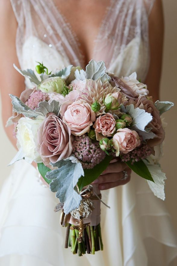 Oh, my sooo beautiful! Flowers by Pat's Floral Designs; photo by Jack Looney Photography.