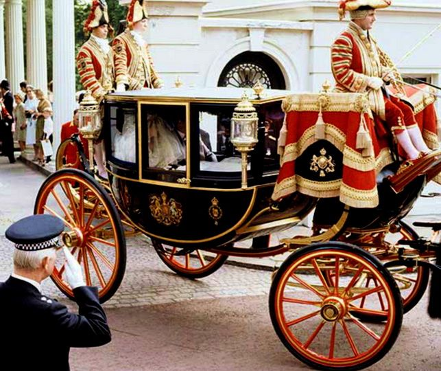 lady diana in carriage with earl of spencer