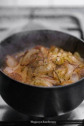 Duszona łopatka z cebulą i grzybami