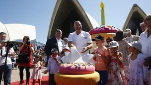 More than 16,000 people gathered at the Sydney Opera House on Sunday to celebrate its 40th birthday.