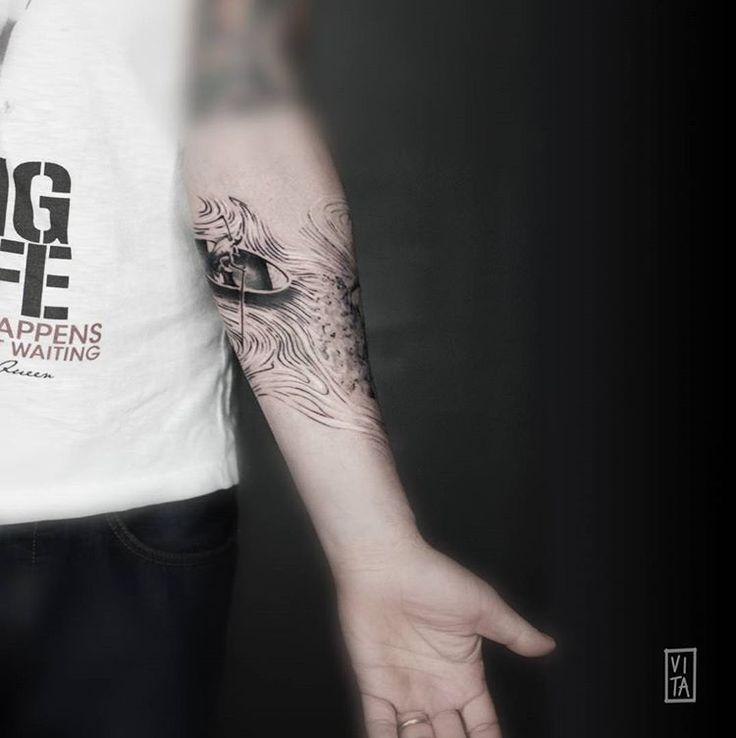 Rivisitazione di un'opera attribuita ad un giovanissimo Salvador Dalì, realizzata su un avambraccio, a tutto giro. Tatuaggio realizzato in scala di grigi, partendo dal bianco sino ad arrivare al nero, utilizzando il grigio come un colore. ➜booking: gil@purotattoostudio.it --- #gilbertavita #gilbertavitatattoo #vitatattoo #tattoo #tattoodesign #tattooidea #tatuaggio #watercolor #watercolortattoo #purotattoostudio #milano #milan #forearmtattoo #acquarello #tattooidea #tattoodesign…