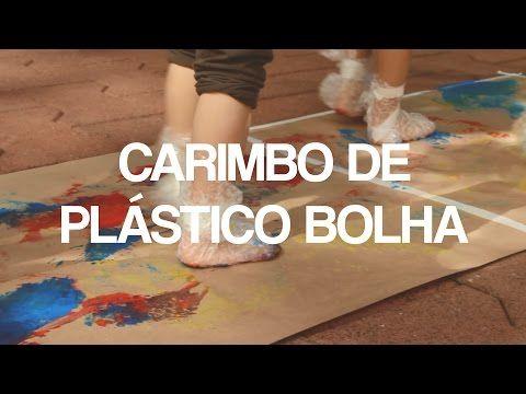 Pintura com plástico bolha nos pés pra divertir a garotada - TempoJunto